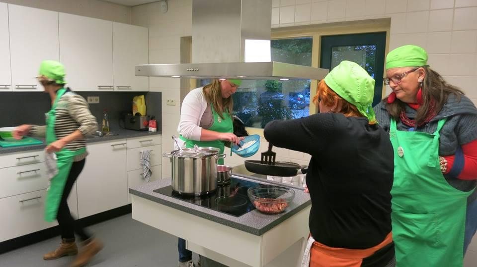 Foto bij en Knop kookgroep de klokketoren