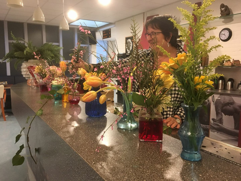 De prachtige bloemen van Adrianne
