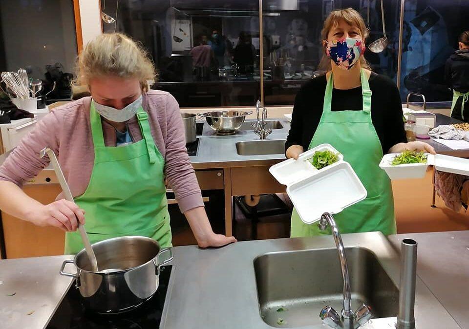 We kunnen inderdaad gelukkig doorgaan met koken.